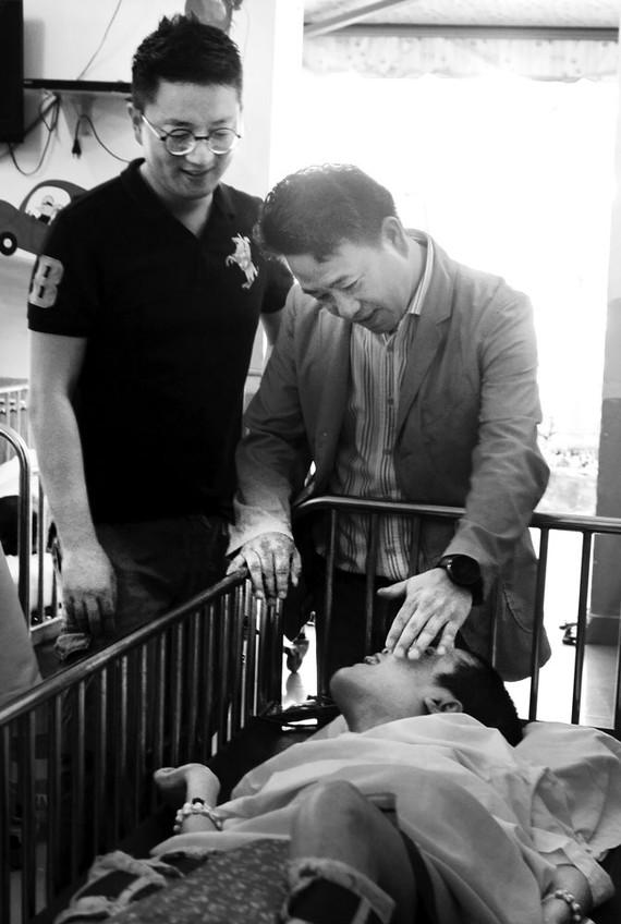 Lock&Lock tổ chức thăm và tặng quà trẻ em khó khăn, mồ côi khuyết tật