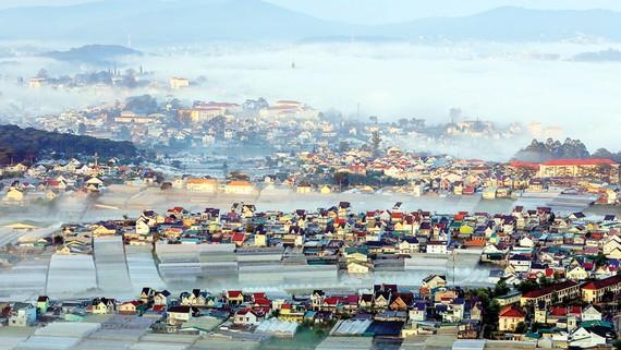 Thôn Đa Lộc, xã Xuân Thọ có nhiều yếu tố thuận lợi để thực hiện đề án thí điểm làng đô thị xanh. Ảnh: ĐOÀN KIÊN