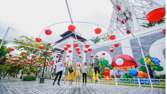 Hàng ngàn đèn lồng sẽ thắp sáng Sun World Danang Wonders suốt một tháng