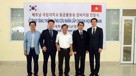 Hiệp hội cứu hộ Hàn Quốc và Công ty ATOMY hỗ trợ xe máy cứu hộ y tế tại Việt Nam