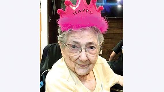 Bà cụ 99 tuổi có nội tạng sai vị trí
