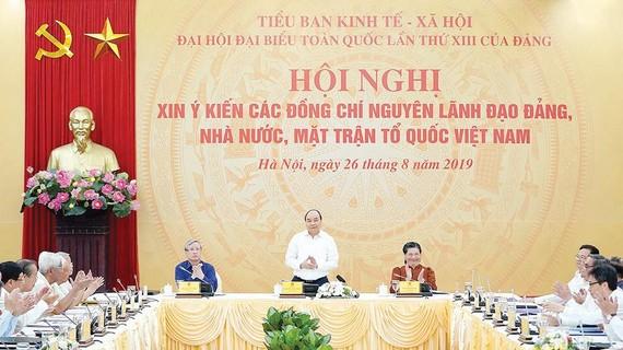 Thủ tướng Nguyễn Xuân Phúc chủ trì hội nghị. Ảnh: VIẾT CHUNG