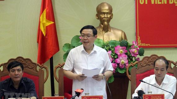 Phó Thủ tướng Chính phủ Vương Đình Huệ phát biểu tại buổi làm việc. Ảnh: Tuấn Anh/TTXVN