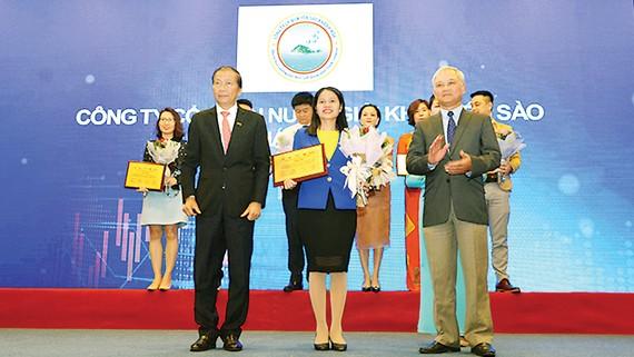 VCCI vinh danh Công ty Cổ phần Nước giải khát Yến sào Khánh Hòa