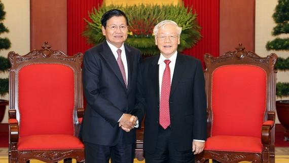 Tổng Bí thư, Chủ tịch nước Nguyễn Phú Trọng tiếp Thủ tướng Lào Thongloun Sisoulith. Ảnh: TTXVN
