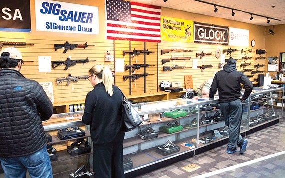 Một cửa hàng bán vũ khí tại Mỹ