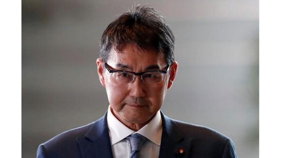 Hai bộ trưởng Nhật Bản liên tiếp từ chức