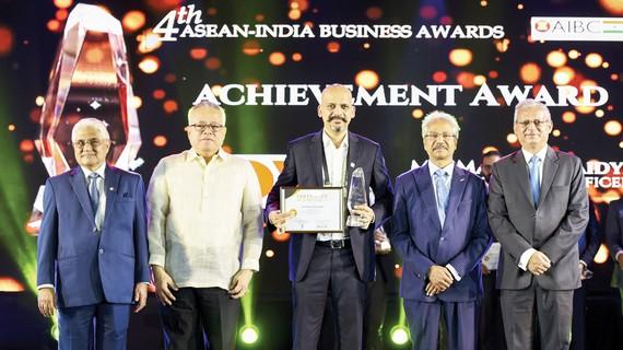 """Khách sạn OYO nhận giải thưởng """"Thành tựu xuất sắc ASEAN - Ấn Độ 2019"""""""