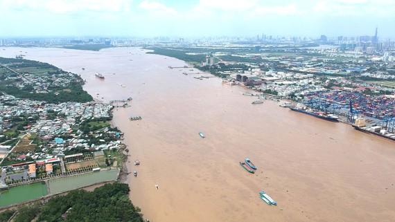 Sông Đồng Nai - nguồn cung cấp nước quan trọng cho TPHCM - đoạn qua quận 2 và huyện Nhơn Trạch (tỉnh Đồng Nai)