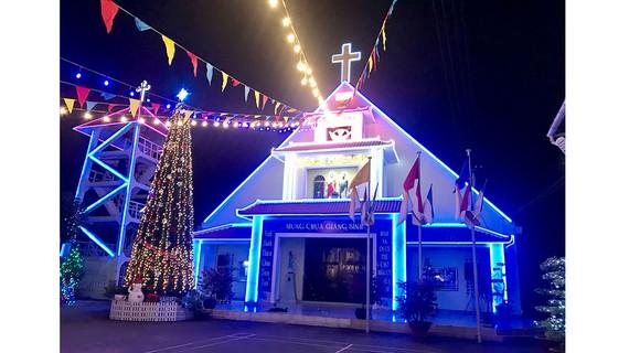 Nhà thờ Thủ Thiêm đã được UBND TPHCM xếp hạng di tích kiến trúc nghệ thuật cấp thành phố. Ảnh KIỀU PHONG