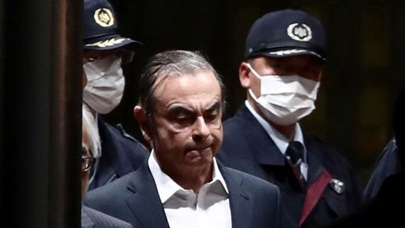 Ông Carlos Ghosn (giữa) tại Tokyo. Nguồn: TTXVN