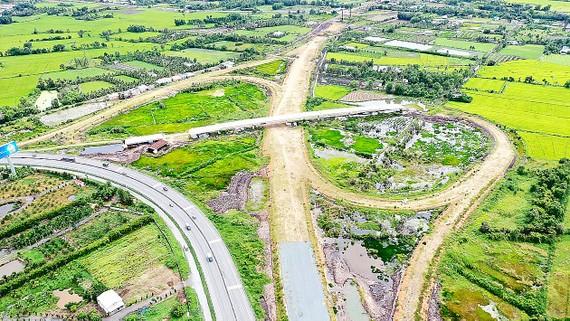 Dự án cao tốc Trung Lương - Mỹ Thuận. Ảnh: HOÀNG HÙNG