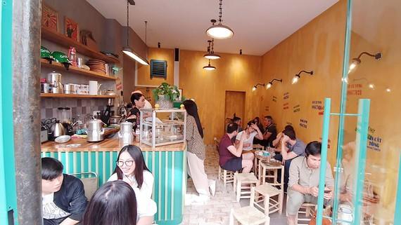 Quán Vỉa hè Cà phê tại Paris