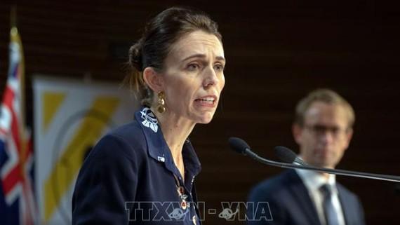 Thủ tướng Ardern cho biết việc cắt giảm lương là thể hiện trách nhiệm của lãnh đạo và là sự ghi nhận những khó khăn mà nhiều người dân New Zealand đang phải đối mặt. Ảnh: TTXVN