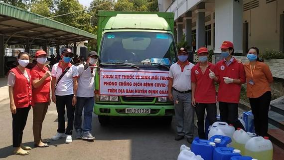 Vedan Việt Nam đồng hành cùng Hội Chữ thập đỏ huyện Định Quán