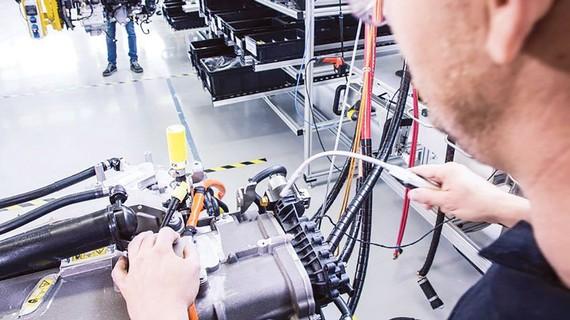Một nhà máy sản xuất pin nhiên liệu. Ảnh: Daimler