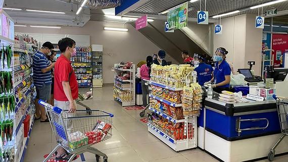 Nhiều sản phẩm đang có sức tiêu thụ rất chậm, do người tiêu dùng thắt chặt chi tiêu