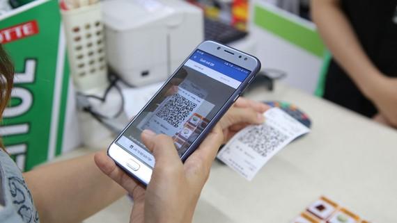 Hình thức thanh toán không sử dụng tiền mặt đã trở nên phổ biến và tiện dụng cho người dân