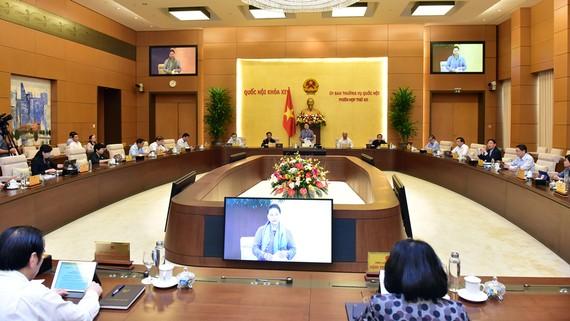 Chủ tịch Quốc hội Nguyễn Thị Kim Ngân phát biểu tại phiên họp khai mạc. Ảnh VIẾT CHUNG