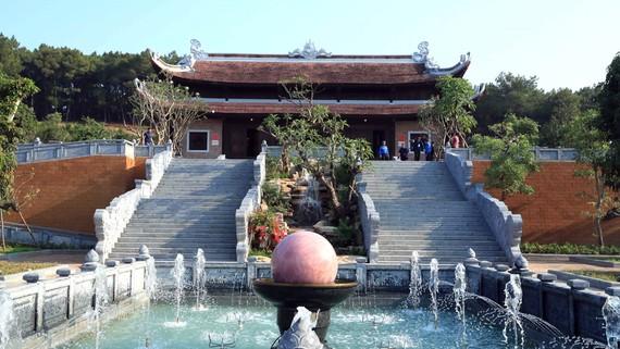 Đền Chung Sơn, thờ gia tiên Chủ tịch Hồ Chí Minh tại xã Kim Liên, huyện Nam Đàn, tỉnh Nghệ An. Ảnh: TTXVN