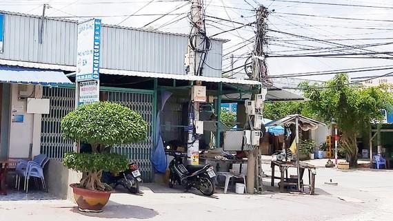 2 trong 7 kiốt, UBND xã Nguyễn Việt Khái xây cho thuê trái quy định trên phần đất thu hồi của dân