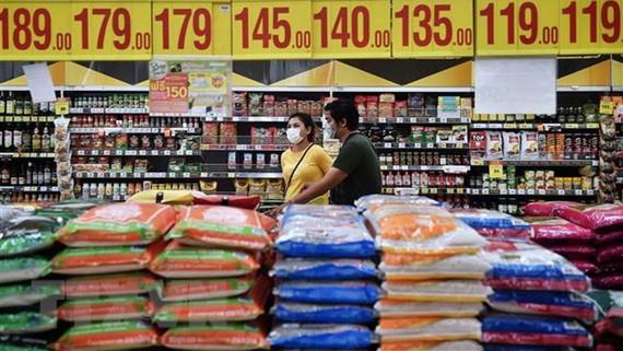 Gạo được bày bán tại một siêu thị ở Bangkok, Thái Lan. Ảnh: TTXVN
