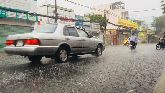 Từ 11-8, TPHCM lại có mưa to