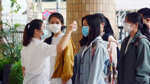 Các thí sinh Đà Nẵng dự thi tốt nghiệp THPT