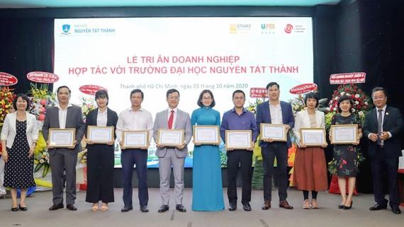 Trường ĐH Nguyễn Tất Thành tri ân các doanh nghiệp