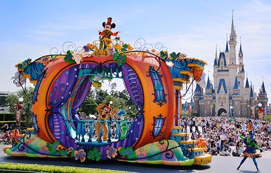 Hàng năm, lễ hội Halloween ở Tokyo Disneyland tập trung hàng chục ngàn người tham gia