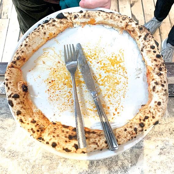 Phần còn lại của chiếc pizza gây phẫn nộ trên mạng