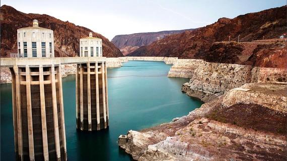 Mực nước hồ Mead xuống thấp ảnh hưởng hoạt động của đập thủy điện Hoover
