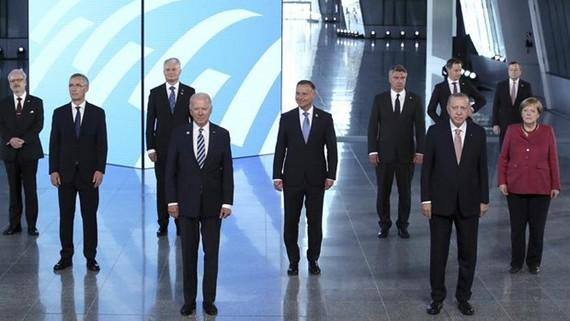 Lãnh đạo các nước dự hội nghị thượng đỉnh NATO. Nguồn: hurriyetdailynews.com