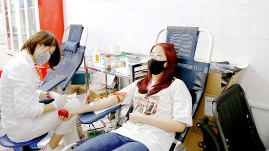 Lượng máu tiếp nhận giảm tới 40%