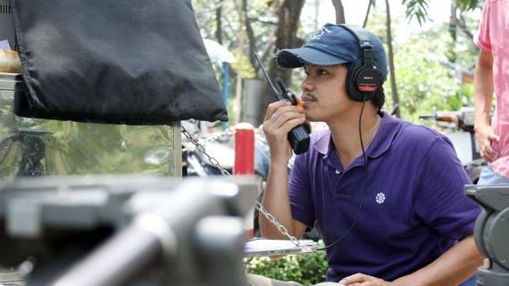 Thạc sĩ - đạo diễn Hoàng Duẩn tại phim hiện trường