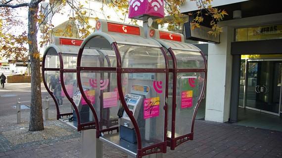 Một điểm gọi điện công cộng của nhà cung cấp dịch vụ viễn thông Telstra. Ảnh:Reuters
