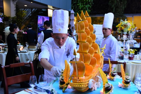 Món dự thi của đầu bếp khách sạn Rex
