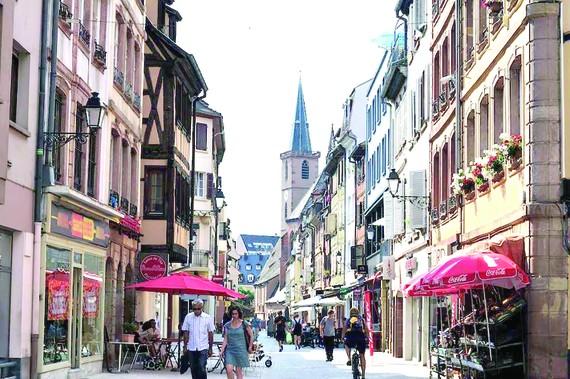 Khu phố Grand Rue
