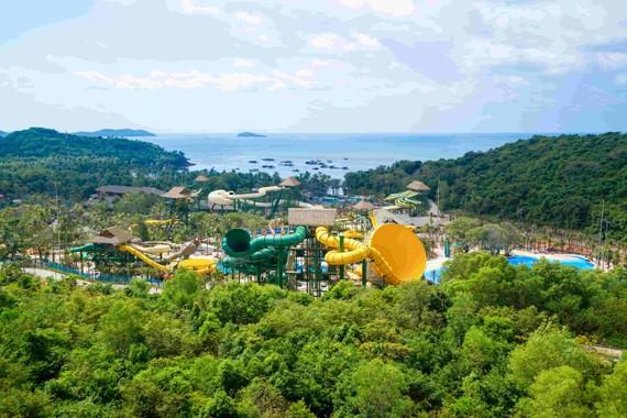 Toàn cảnh Aquatopia Water Park.