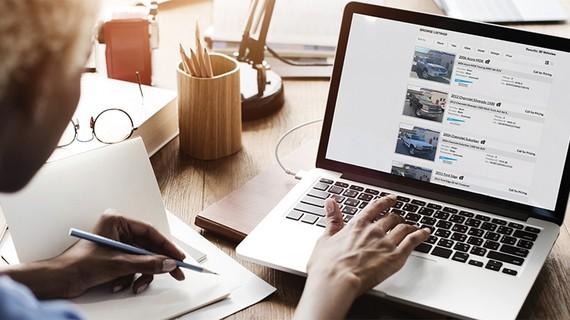 Mua ô tô trực tuyến là giải pháp được khách hàng lựa chọn sau đại dịch