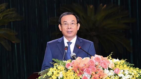 Bí thư Thành ủy TPHCM Nguyễn Văn Nên phát biểu tại buổi họp mặt. Ảnh: VIỆT DŨNG