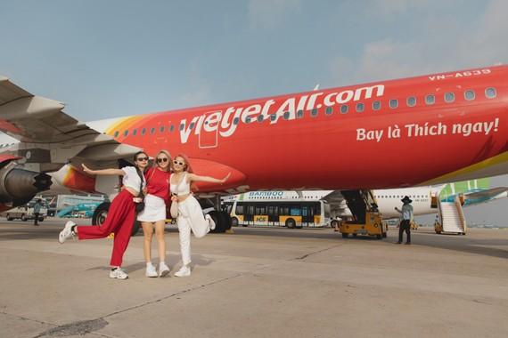 """Đồng giá cực """"chất"""" – Trả mức duy nhất 555.000 đồng, bay khắp Việt Nam"""