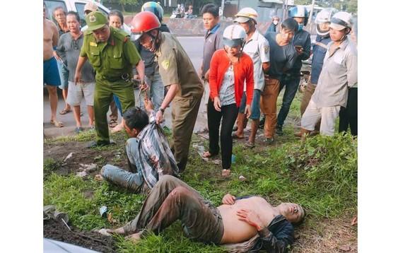 Lực lượng chức năng có mặt tại hiện trường ngăn dân hành hung 2 đối tượng trộm chó