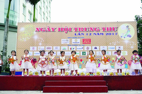 Saigontourist tổ chức ngày hội Trung thu lần thứ 12 năm 2017