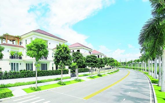 Tuyến đường nội khu xanh mát trong khu biệt thự Saroma Villa