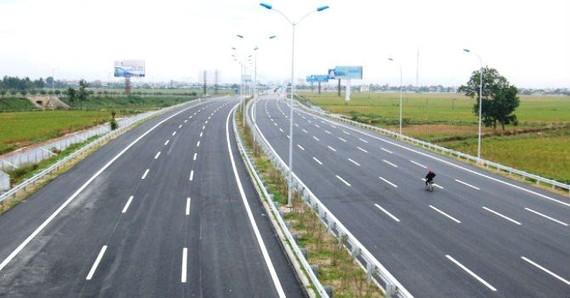 Nhiều dự án giao thông chậm tiến độ