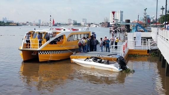 Nhiều vướng mắc trong  kinh doanh bến thủy nội địa
