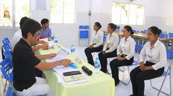 Các DN Nhật Bản phỏng vấn tuyển sinh viên ĐH Trà Vinh sang Nhật làm việc