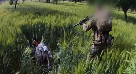 Vụ hành quyết dân thường Afghanistan của lính SAS năm 2012. Video: ABC News.