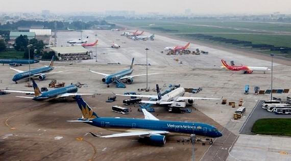 Các hãng hàng không tăng chuyến bay nội địa